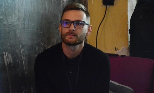 ведущий фестиваля Павел Коробчук