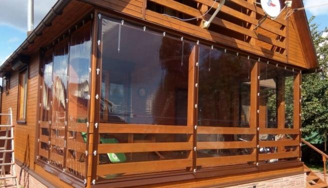 Выбираем и заказываем мягкие окна для беседок через Интернет!